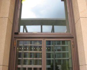 Türen mit Unterflurantrieb Detail Bewegungsmelder