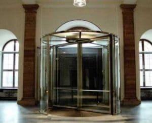 Ganzglas-Karusselltür innen Ansicht