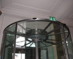 Karusselltür Glasdeckel und klappbare Flügel mit Edelstahl
