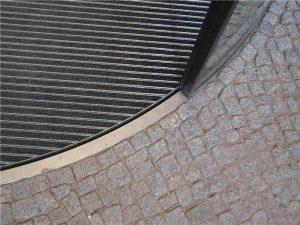 Unterflur-Bogenschiebetür Detail Bodenring