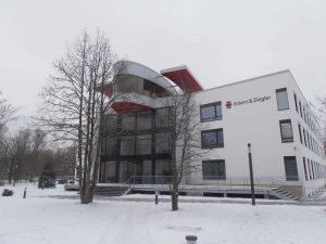 Eckert & Ziegler AG Rundschiebetür Ansicht Fassade