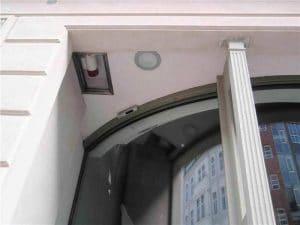 Halbrund-Schiebetür Detail Durchgang