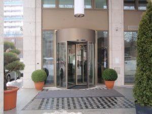 Hotel dreiflügelige Karusselltür mit Eloxal-Oberfläche