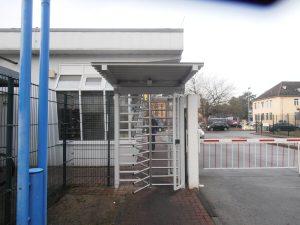 Sicherheitsdrehkreuz außen mit Dach Dunlop Fürstenwalde