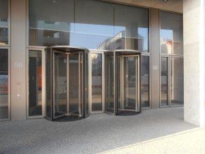 Bundesbehörde Berlin - Zugang für Mitarbeiter und Besucher