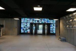 Spionagemuseum Berlin runde Personenschleuse Ein- und Ausgang und Fluchttür