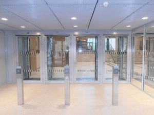 Justizzentrum Bochum - Personenschleuse mit Vereinzelung